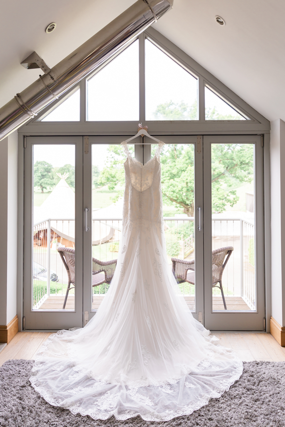 Lara frost photography-Carr-mount-estate-wedding-venue